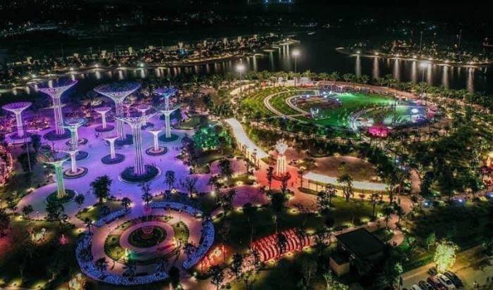 Công viên 36ha Vinhomes Grand Park về đêm
