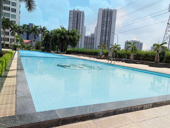 Hồ bơi dành cho các bé từ 8 tuổi trở lên với độ sâu chỉ khoảng 1m