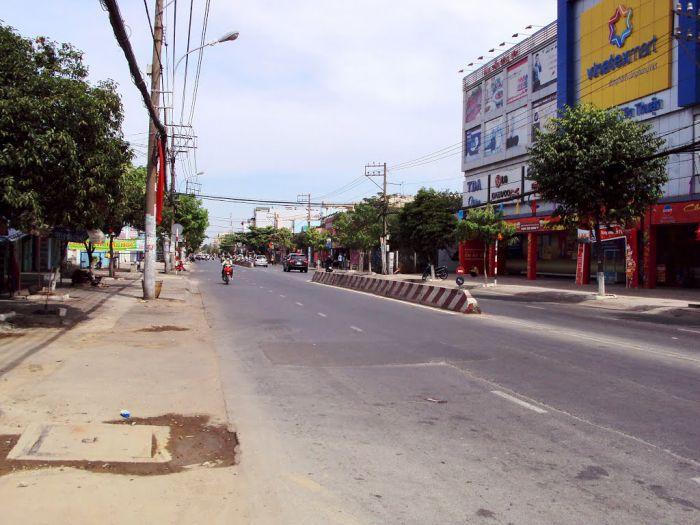 Mở rộng và nâng cấp đường Huỳnh Tấn Phát